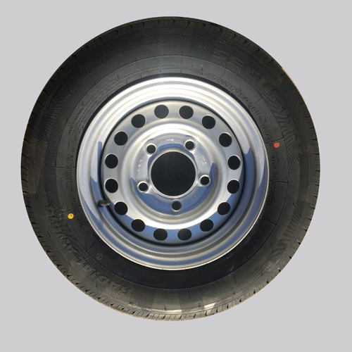 WH1932 - Wheel Rim and Tyre
